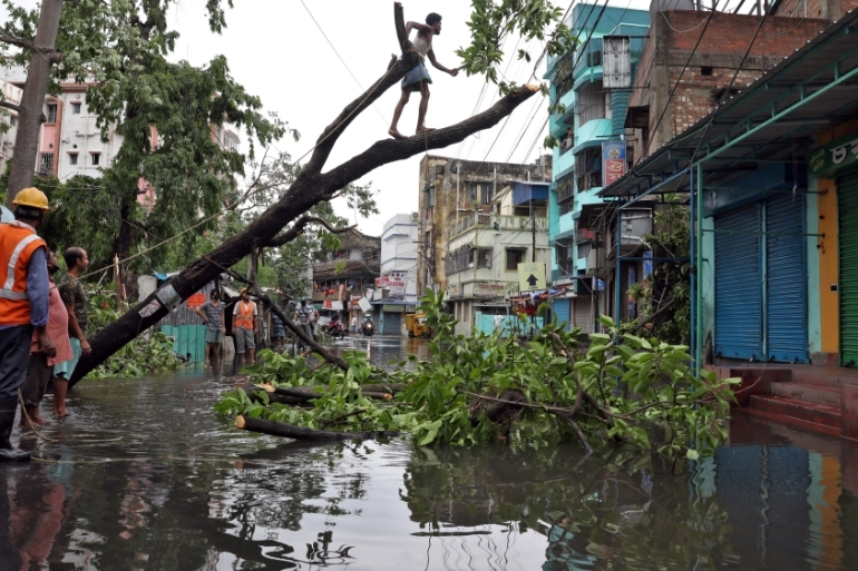 Kolkata suffered massive damages with its airport inundated with flood water on Thursday [Rupak De Chowdhuri/Reuters]
