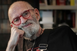 AIDS activist and author Larry Kramer posing for a portrait in his apartment in New York City, the United States [File: Lucas Jackson/Reuters]