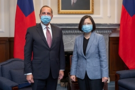 US Secretary of Health and Human Services Alex Azar and Taiwan President Tsai Ing-wen pose for photos during their meeting at the presidential office in Taipei [Taiwan Presidential Office/Handout via Reuters]