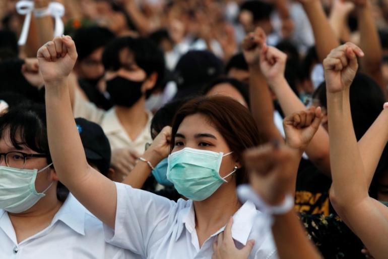 Protes yang dipimpin mahasiswa sejak Juli telah menjadi tantangan terbesar bagi pembentukan Thailand selama bertahun-tahun [Jorge Silva / Reuters]