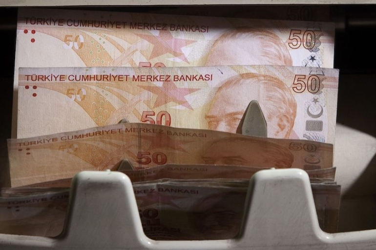 During another lira selloff in March and April last year - when the overnight swap rate hit 1,200 percent - Turkish authorities directed banks to curb trading in the London market [File: Kerem Uzel/Bloomberg]