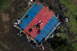 Mexican wrestlers improvise as industry struggles amid COVID-19