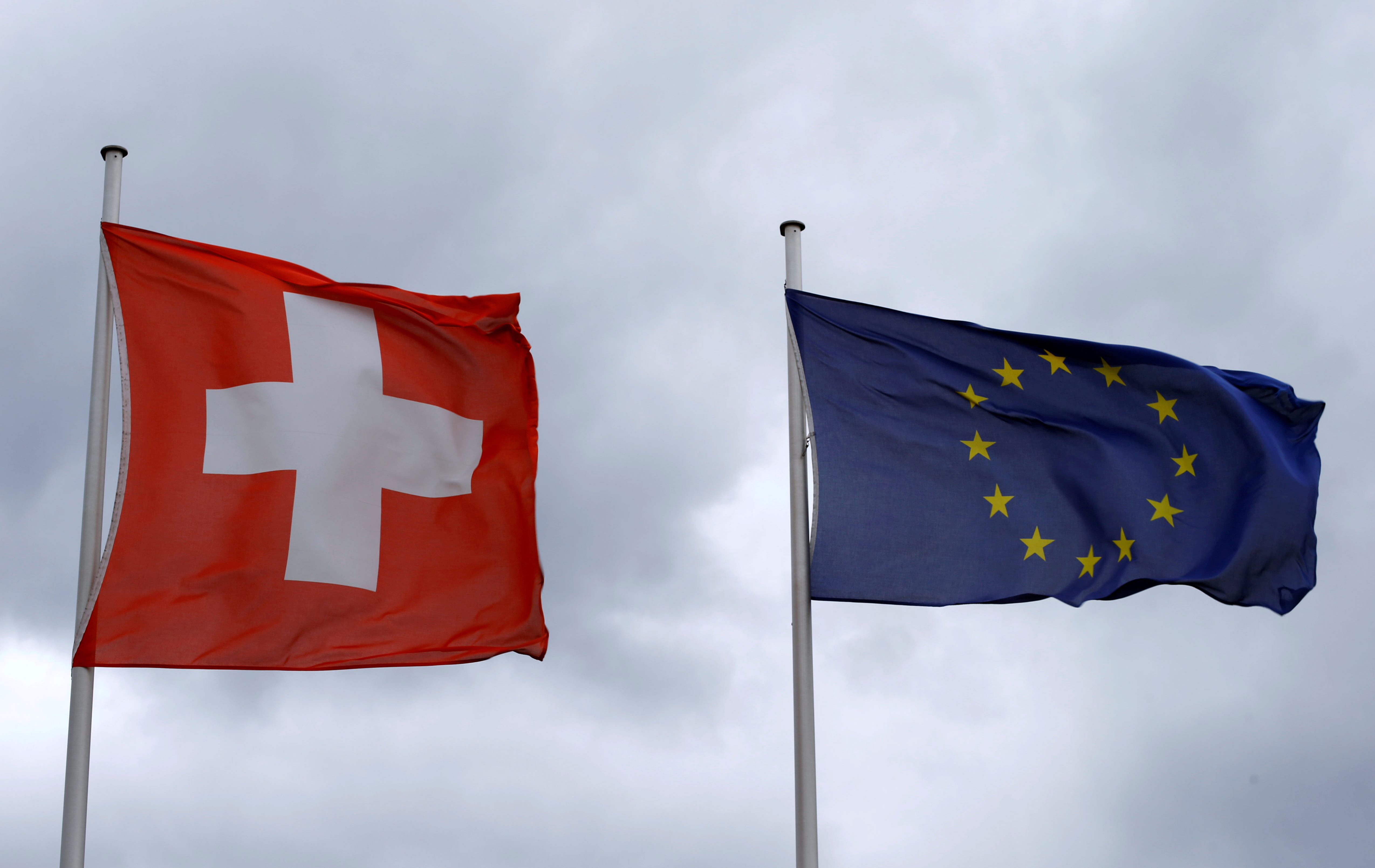 Swiss voters appear to reject limiting jobs for EU citizens