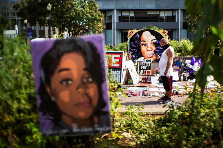 In Breonna Taylor S Louisville Anger Fuels Demand For Change Us Canada Al Jazeera