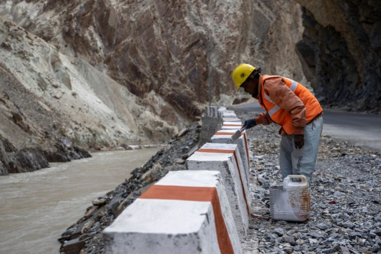 India races to build border roads, bridges to match China | Asia Pacific