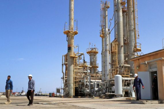 Brega oil port some 270km west of Libya's eastern city of Benghazi [File: AFP/Getty Images]