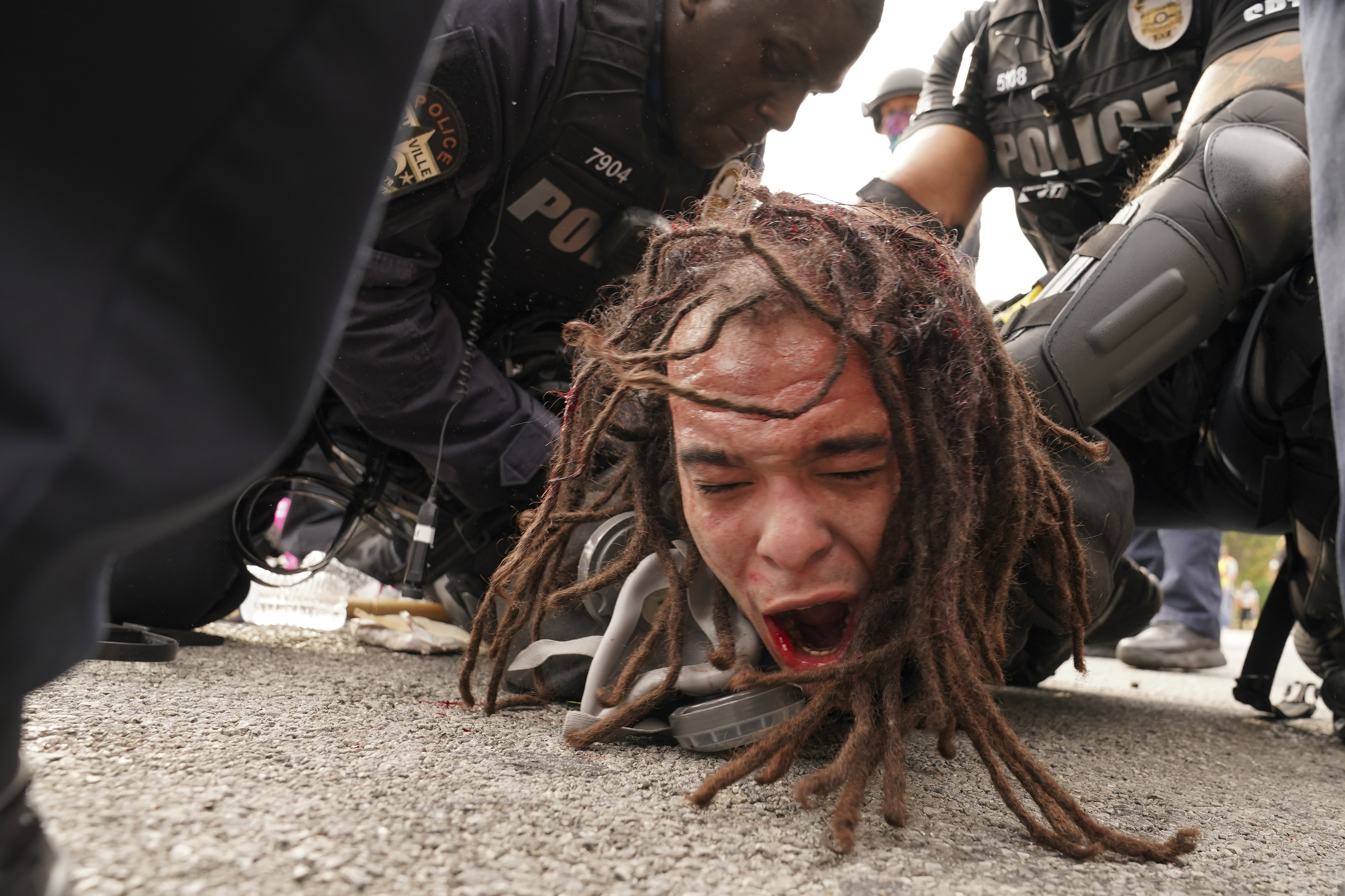 In Pictures: Protests in US after Breonna Taylor decision thumbnail
