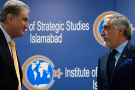 Abdullah and Qureshi struck a conciliatory tone as they backed the peace process [Aamir Qureshi/AFP]