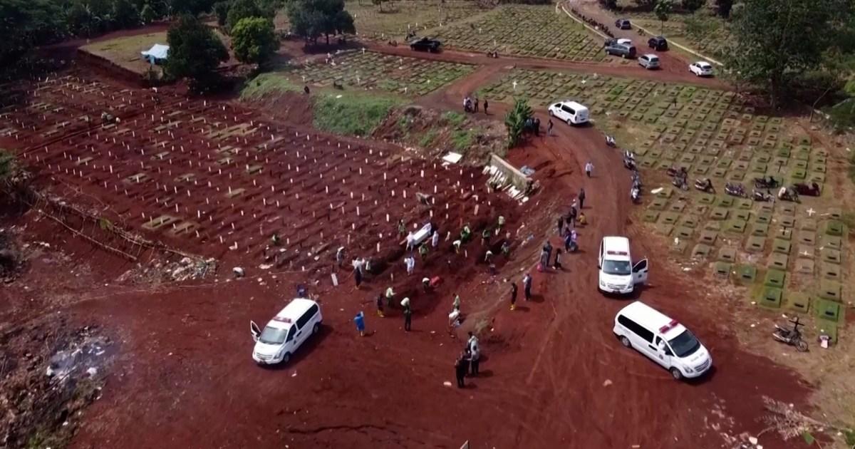 Burials surge as COVID-19 cases spike in Indonesia's capital - aljazeera