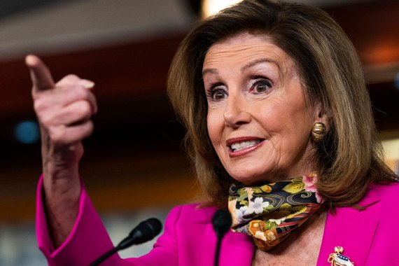 Time is running out for a US stimulus deal before Election Day, House Speaker Nancy Pelosi has made clear [Manuel Balce Ceneta/AP Photo]