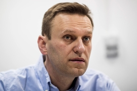 German experts found Novichok on a water bottle gathered by Alexey Navalny's aides from his hotel room in the Siberian city of Tomsk [File: Yevgeny Feldman/EPA]