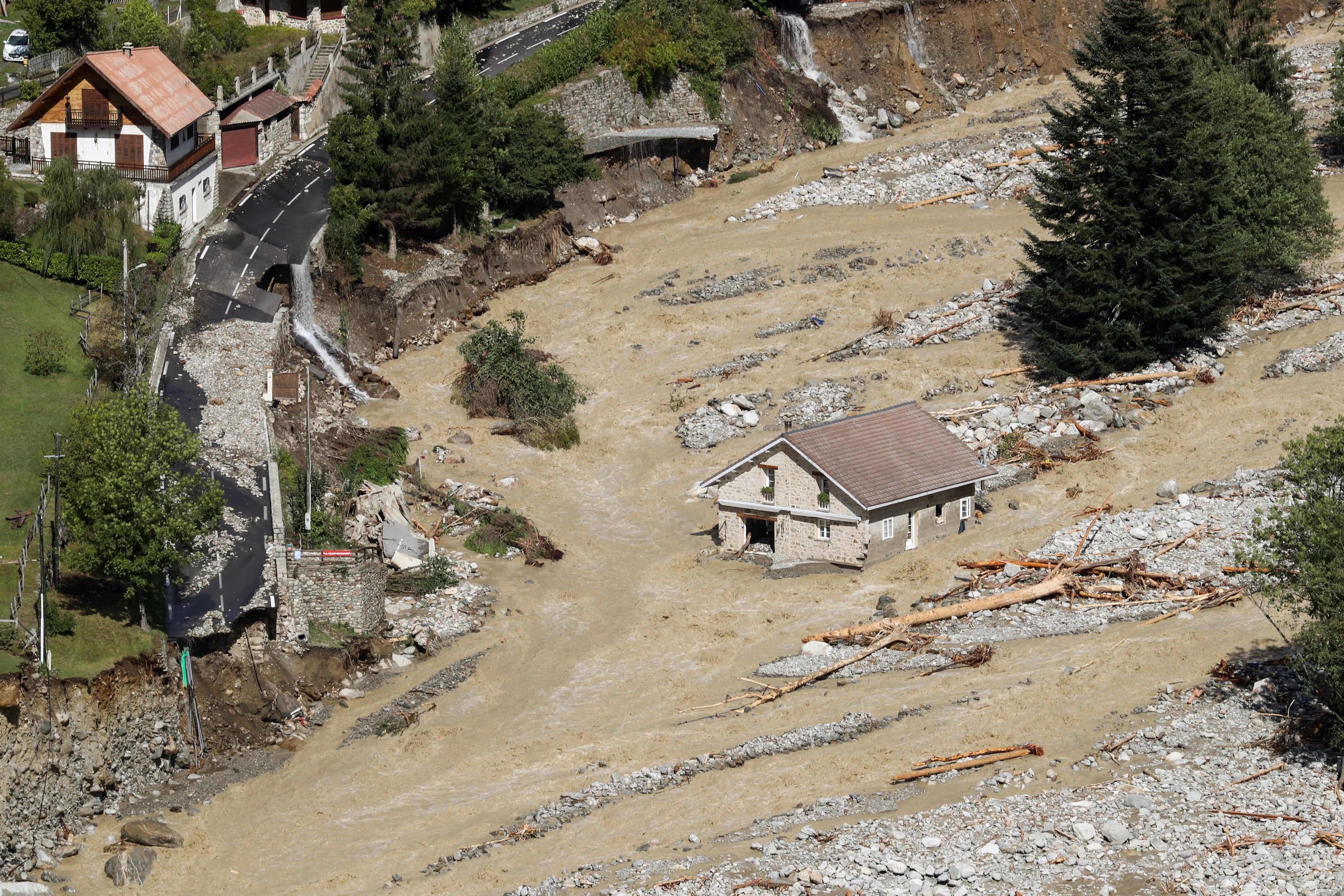 Deadly floods hit France, Italy