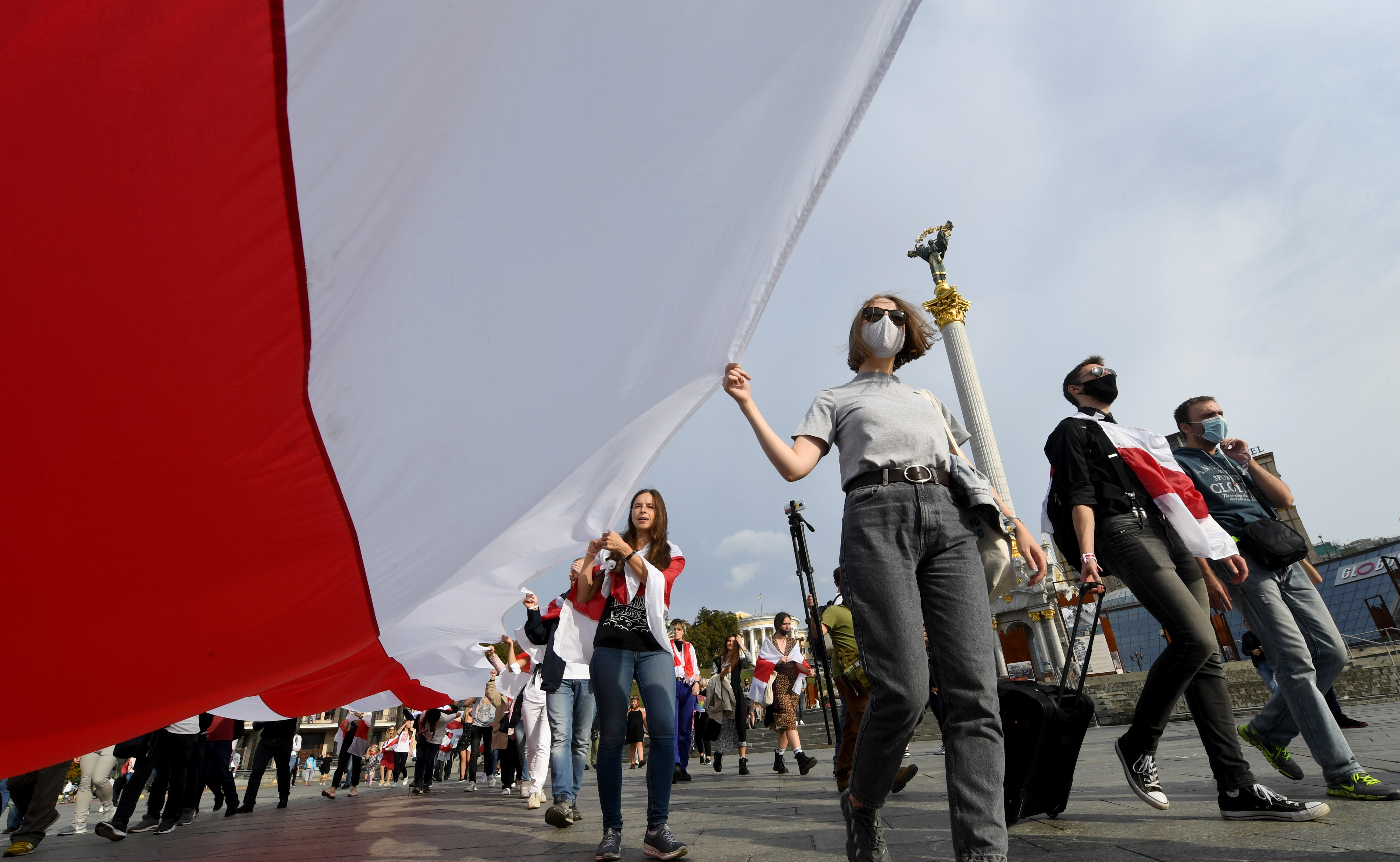 Rights group: Scores detained during protests in Belarus