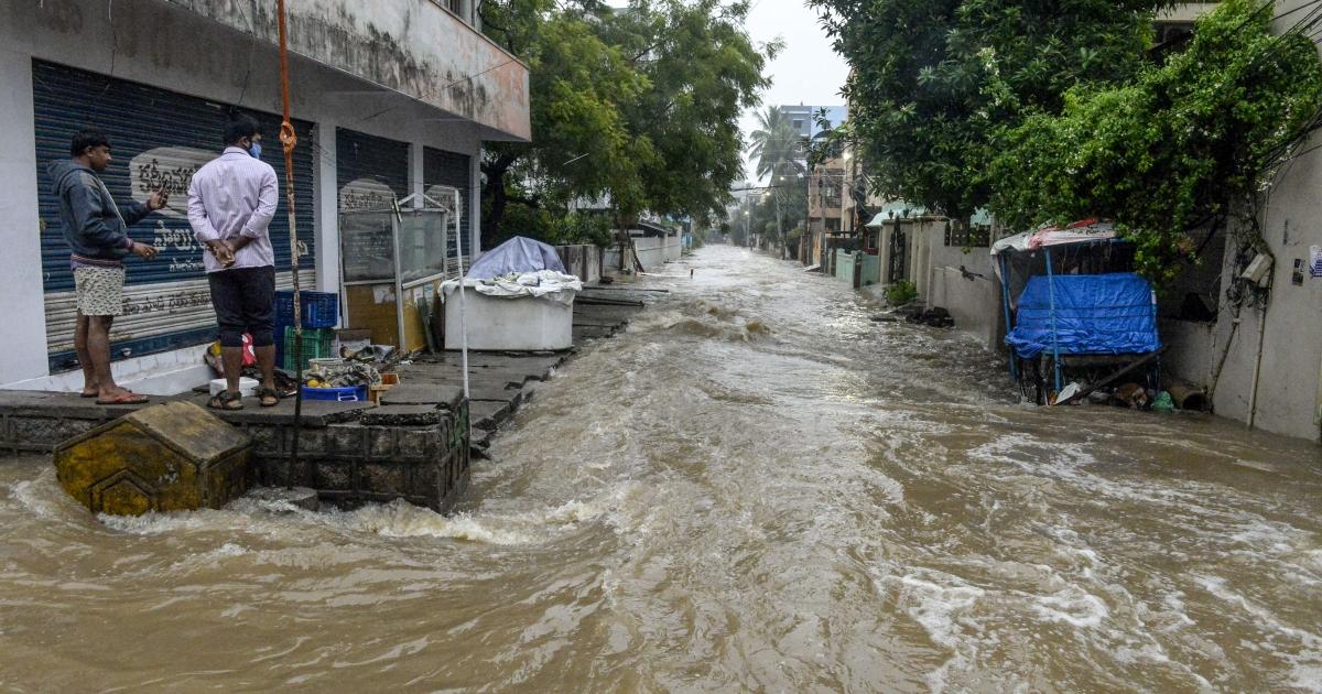 Many dead as record rains lash India's Hyderabad and nearby areas - Al Jazeera English