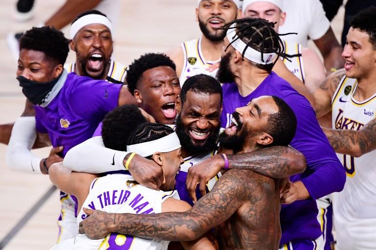 Lakers mengalahkan Miami, berotot dan kalah bermain [AFP]