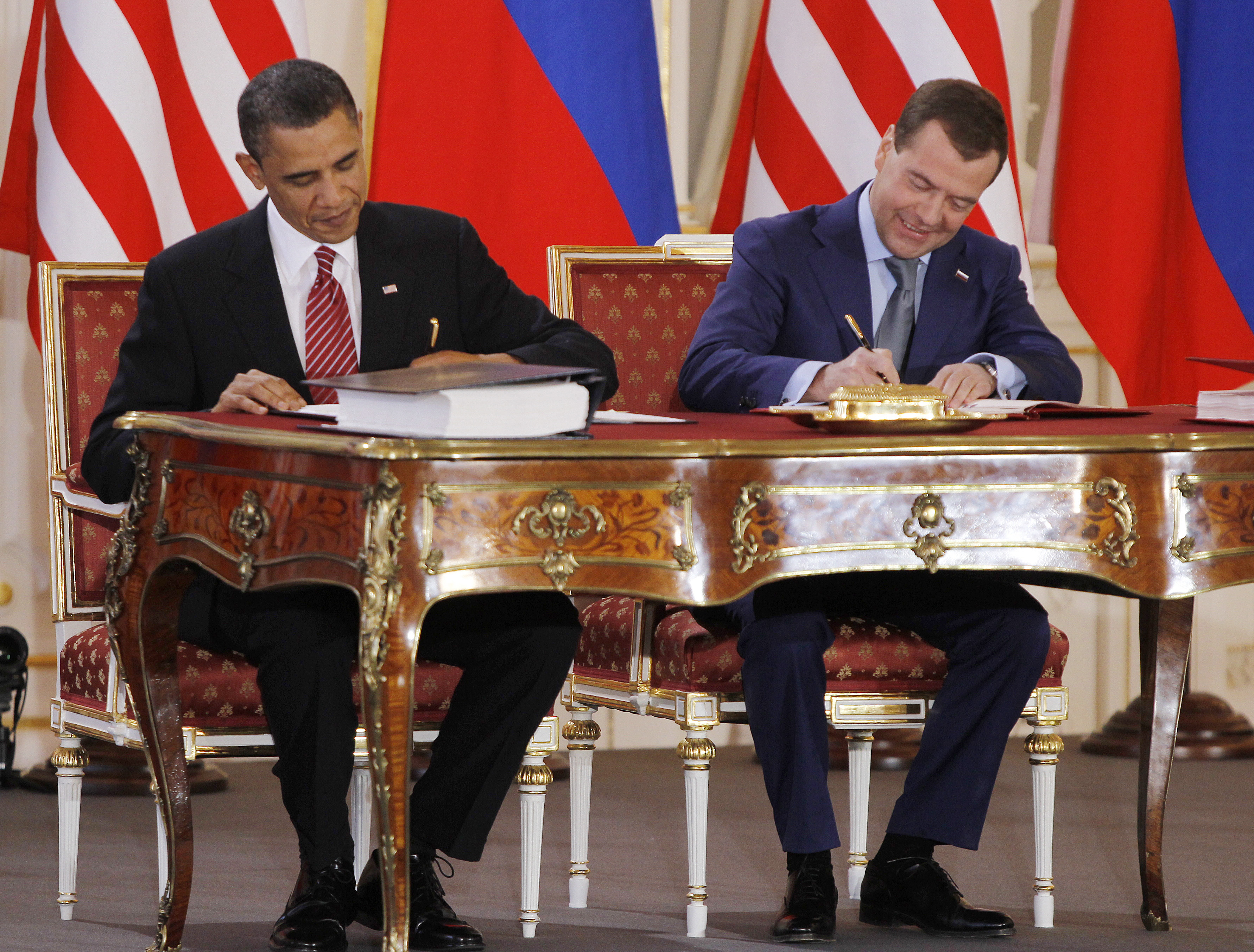 US, Russia to seek 1-year nuclear pact extension