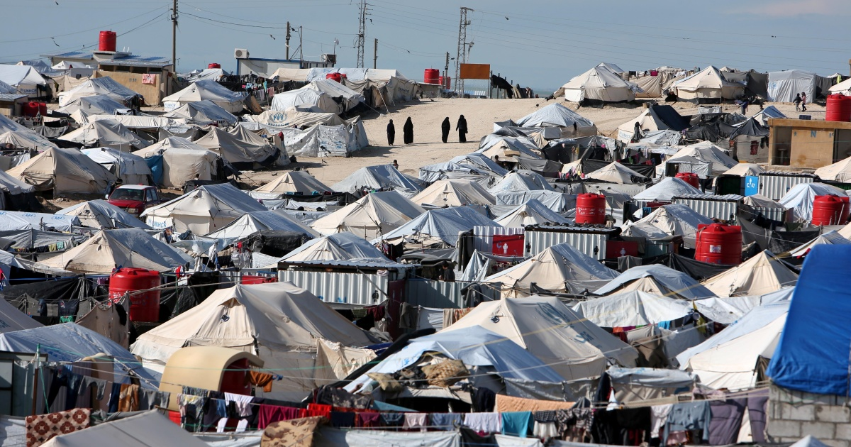 Kurdish-led authorities to remove Syrians from al-Hol camp thumbnail