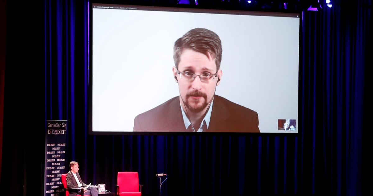 Court rules Edward Snowden's book earnings should go to US gov't thumbnail