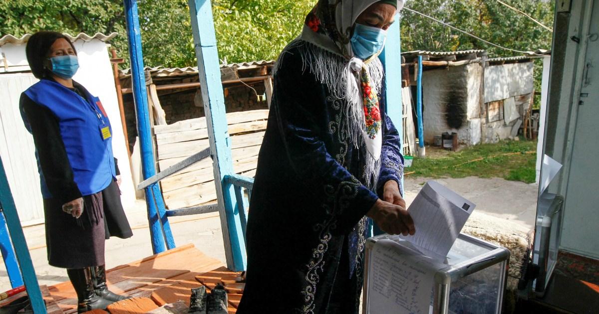Pro-presidential parties dominate Kyrgyzstan parliamentary vote thumbnail