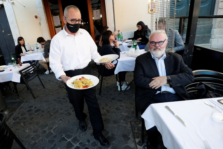 State measures across the region have kept thousands of struggling businesses afloat, but some are being wound down [File: Guglielmo Mangiapane]