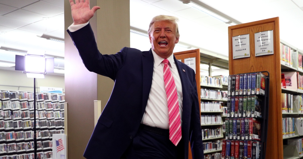 Trump casts vote ahead of campaign blitz in battleground states thumbnail