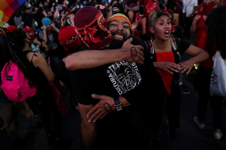 Celebrations in Chile as voters back rewriting constitution