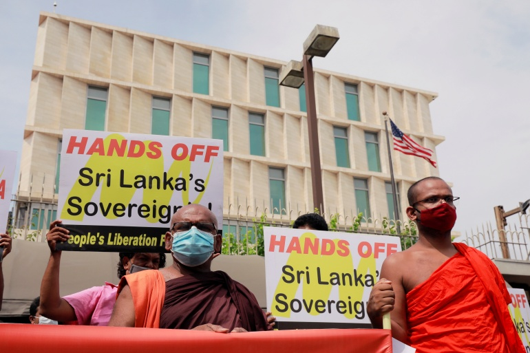 Buddhist monks protest against Pompeo's visit to Sri Lanka, in front of the US embassy in Colombo [Dinuka Liyanawatte/Reuters]
