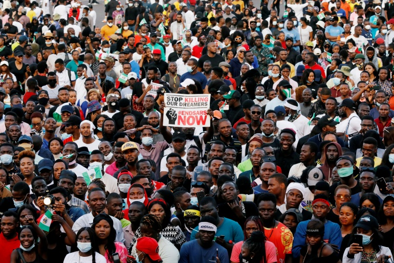 Demonstrators gather to protest against police brutality in Lagos, Nigeria October 17, 2020. [Temilade Adelaja/File Photo/Reuters]