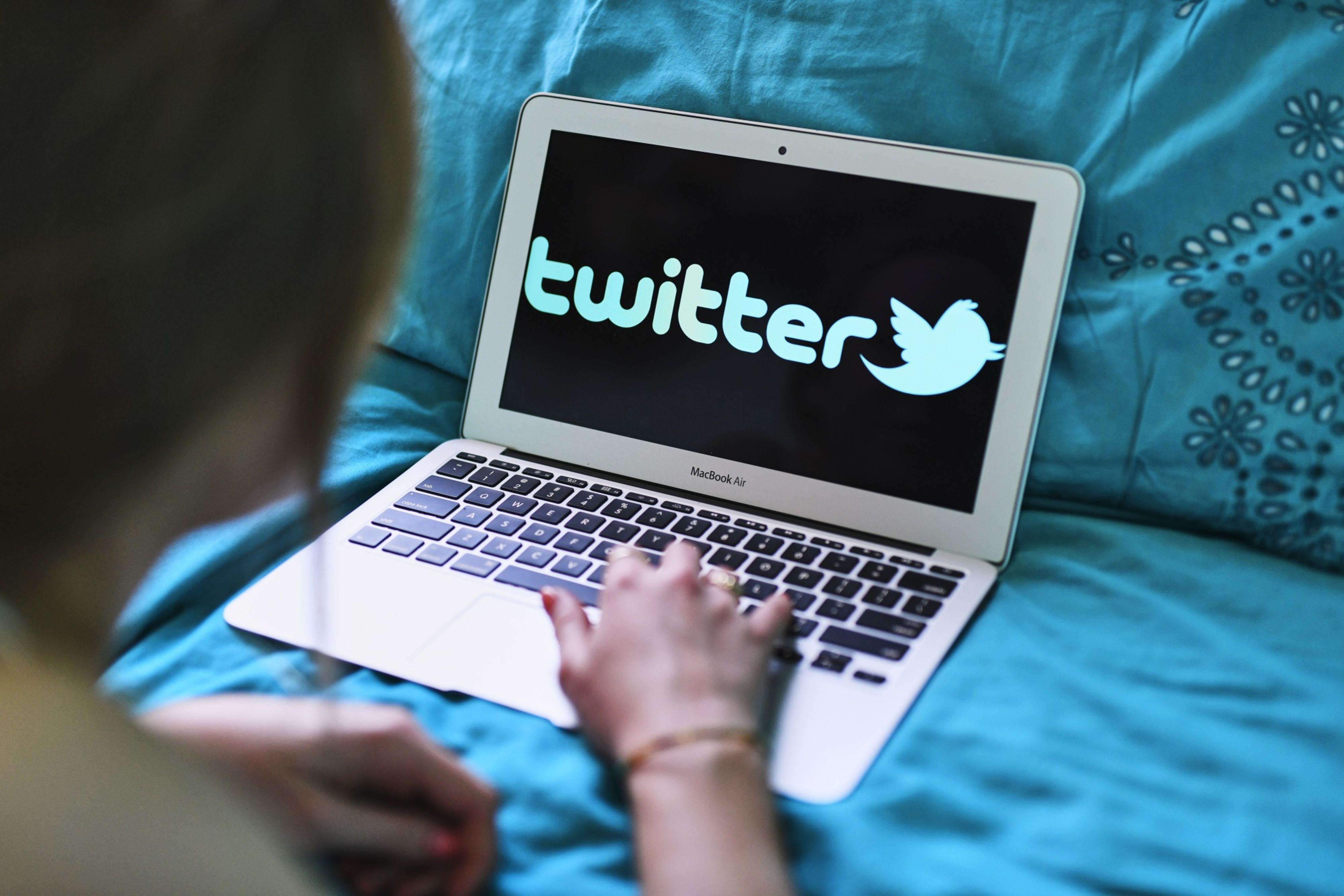aljazeera.com - Turkey slaps advertising ban on Twitter with new social media law