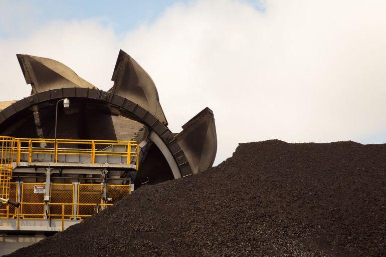 Cina adalah salah satu pasar terpenting Australia untuk ekspor batubara [File: Ian Waldie / Bloomberg]