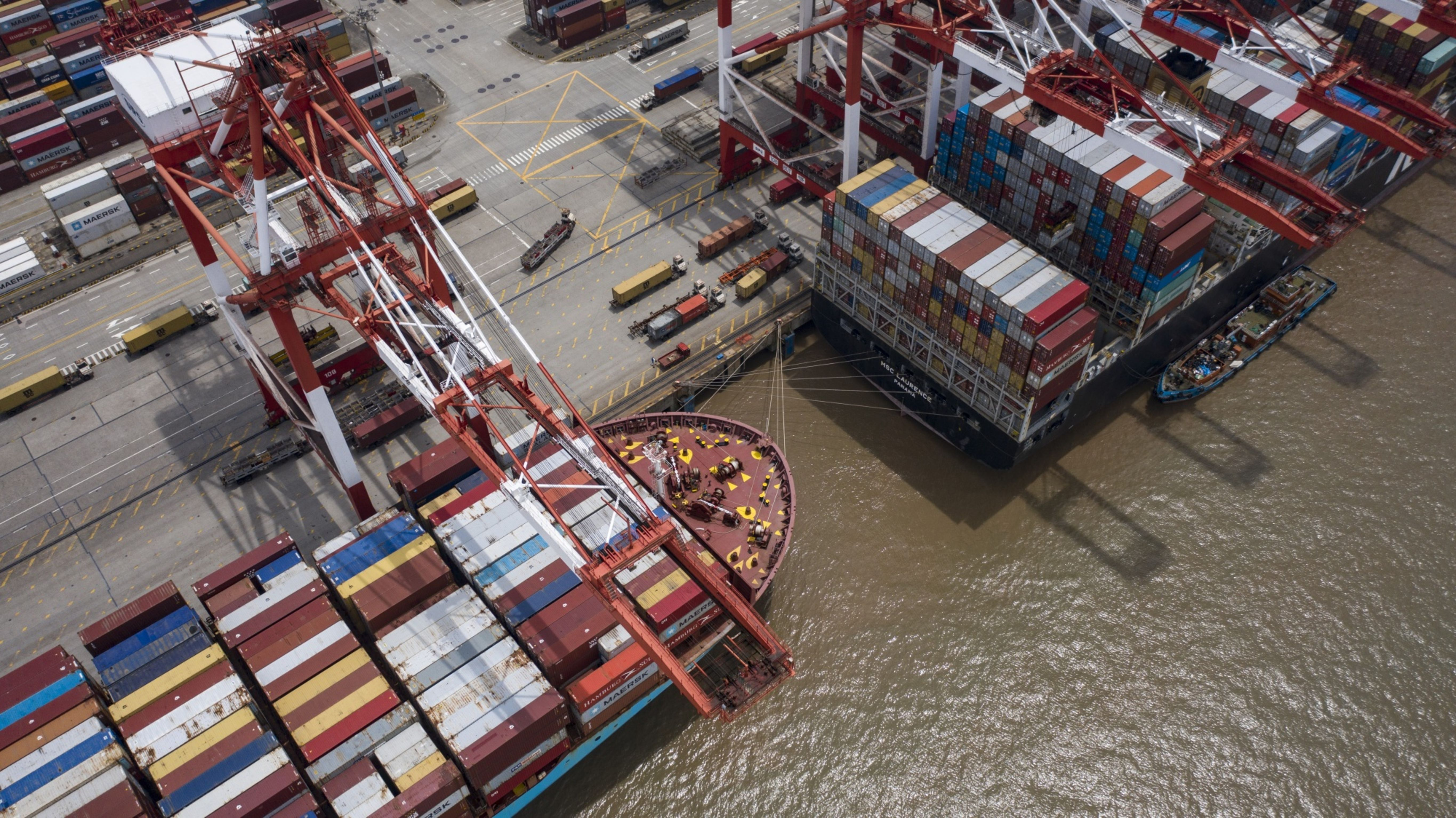 China's trade growth accelerates in Sept; exports up 9.9%