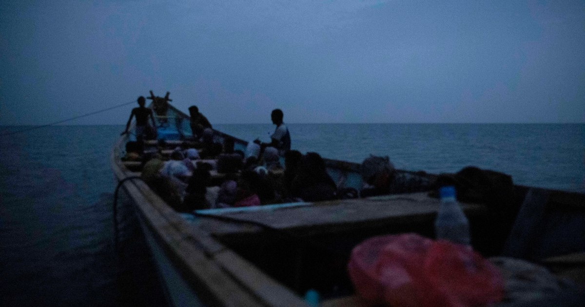 Eight migrants drown after forced off boat by smugglers