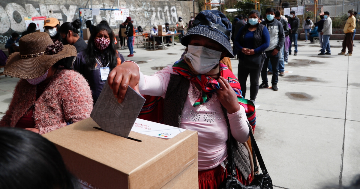 Bolivia votes in high-stakes presidential election amid pandemic thumbnail