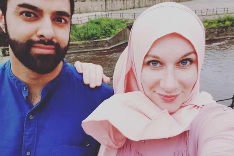 Hijab Dating Site.)