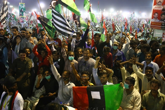 Supporters of major opposition political parties including Pakistan Muslim League Nawaz (PMLN) gather during an anti-government rally in Karachi [Shahzaib Akber/EPA]