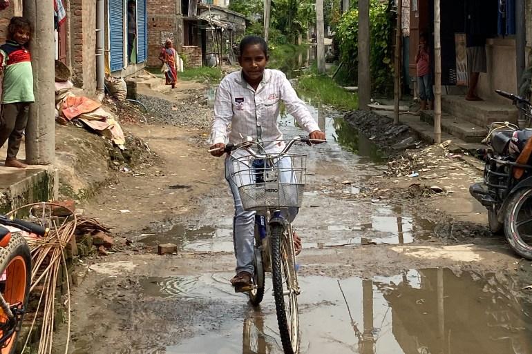 Jyoti's story of determination caught the imagination of people across the country [Chinki Sinha/Al Jazeera]