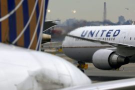 United Airlines' daily cash burn fell to $25m on average in the quarter ended September, from $40m in the second quarter, and included $4m per day in severance and debt payments [File: Chris Helgren/Reuters]