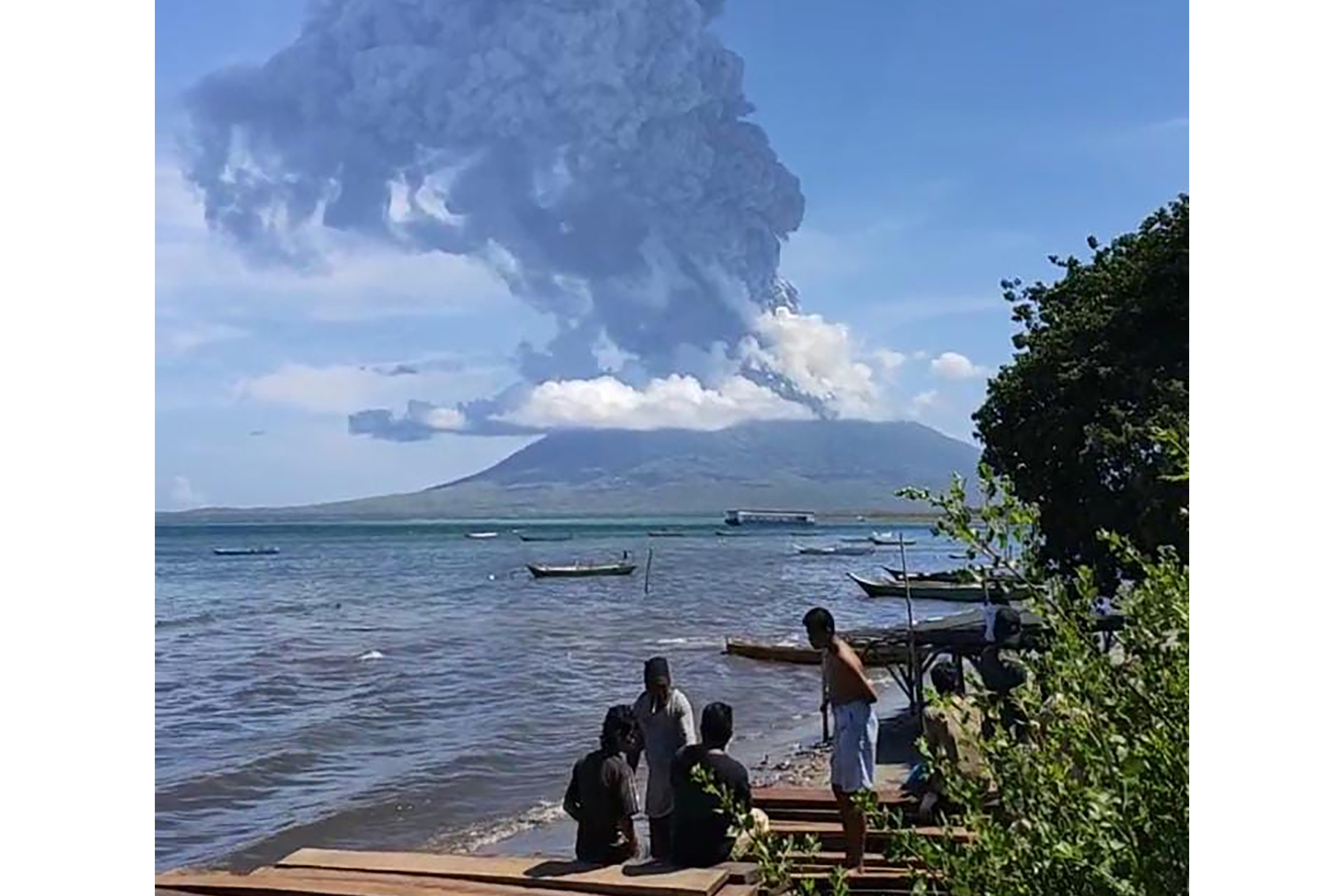 Volcano in Indonesia erupts; 2,000 700 evicted