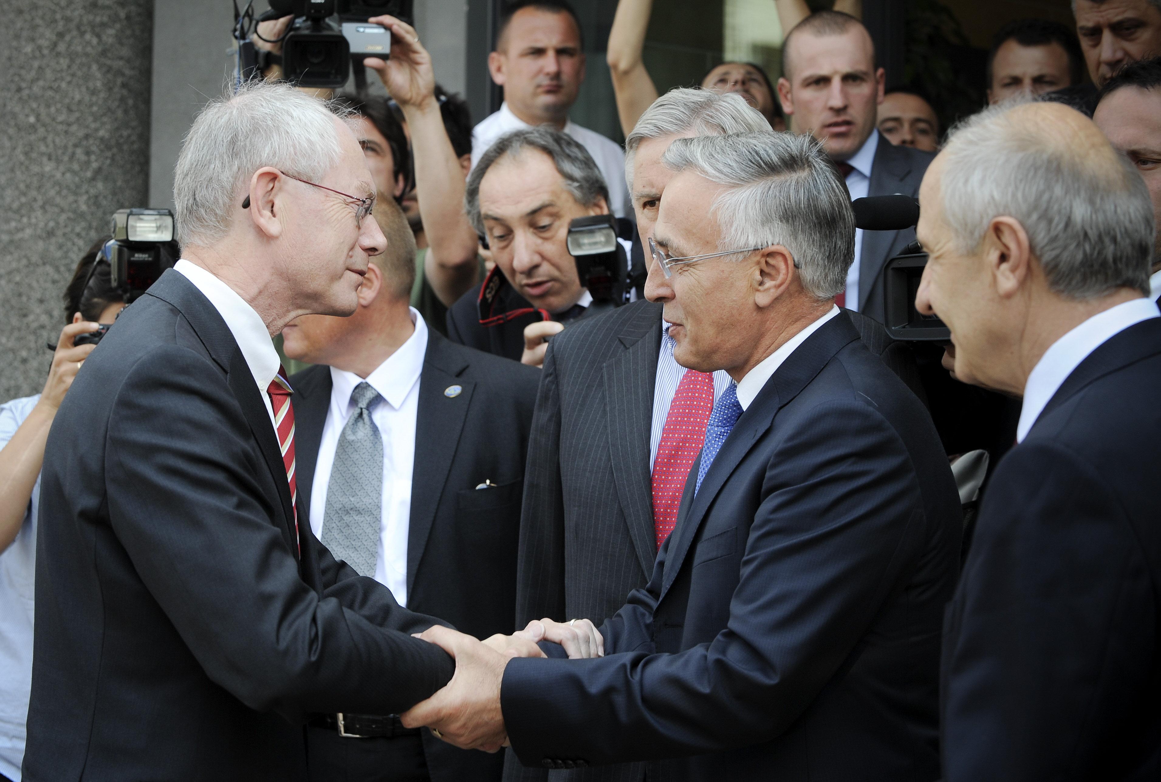 Kosovo's President Hashim Thaci resigns to face war crime trial