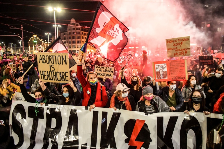 People protest against the ruling by Poland's Constitutional Tribunal that imposes a near-total ban on abortion, in Wroclaw, Poland on October 26, 2020 [Tomasz Pietrzyk/Agencja Gazeta via REUTERS