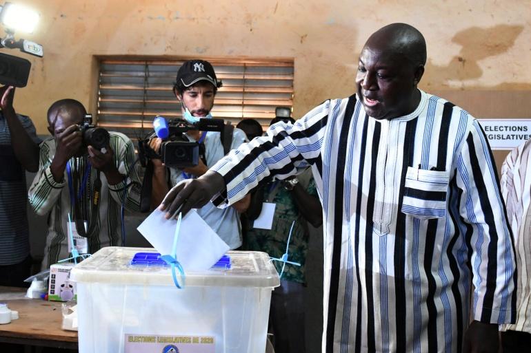 'Vote for change': Polls open in Burkina Faso