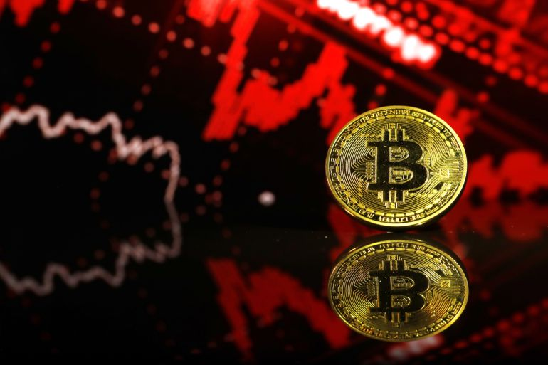 Bitcoin S Two Day Plunge Fuels Concerns Crypto Bubble Could Burst Business And Economy News Al Jazeera