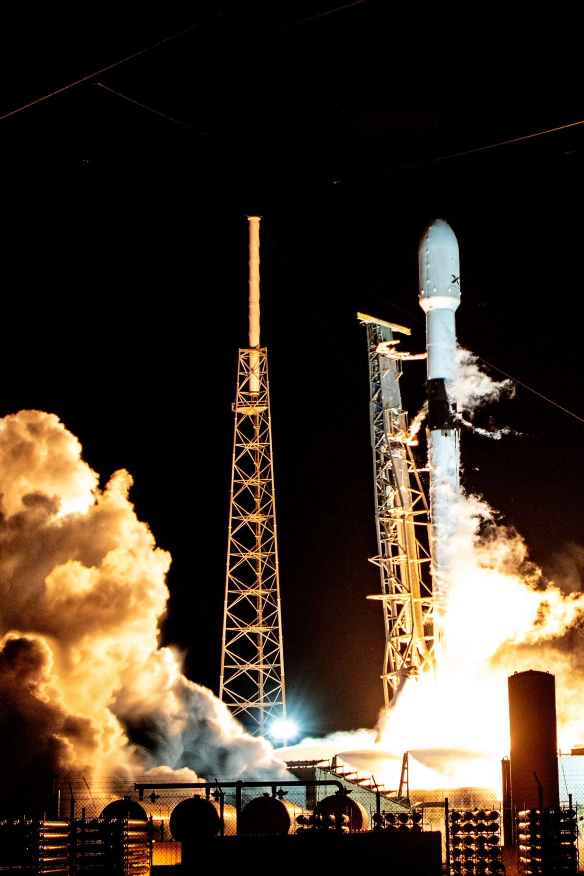 SpaceX Falcon 9 rocket launch of Starlink 9, which is one of a series of Starlink missions to provide fast internet speed to remote populations. [Michael Tracy/Al Jazeera]