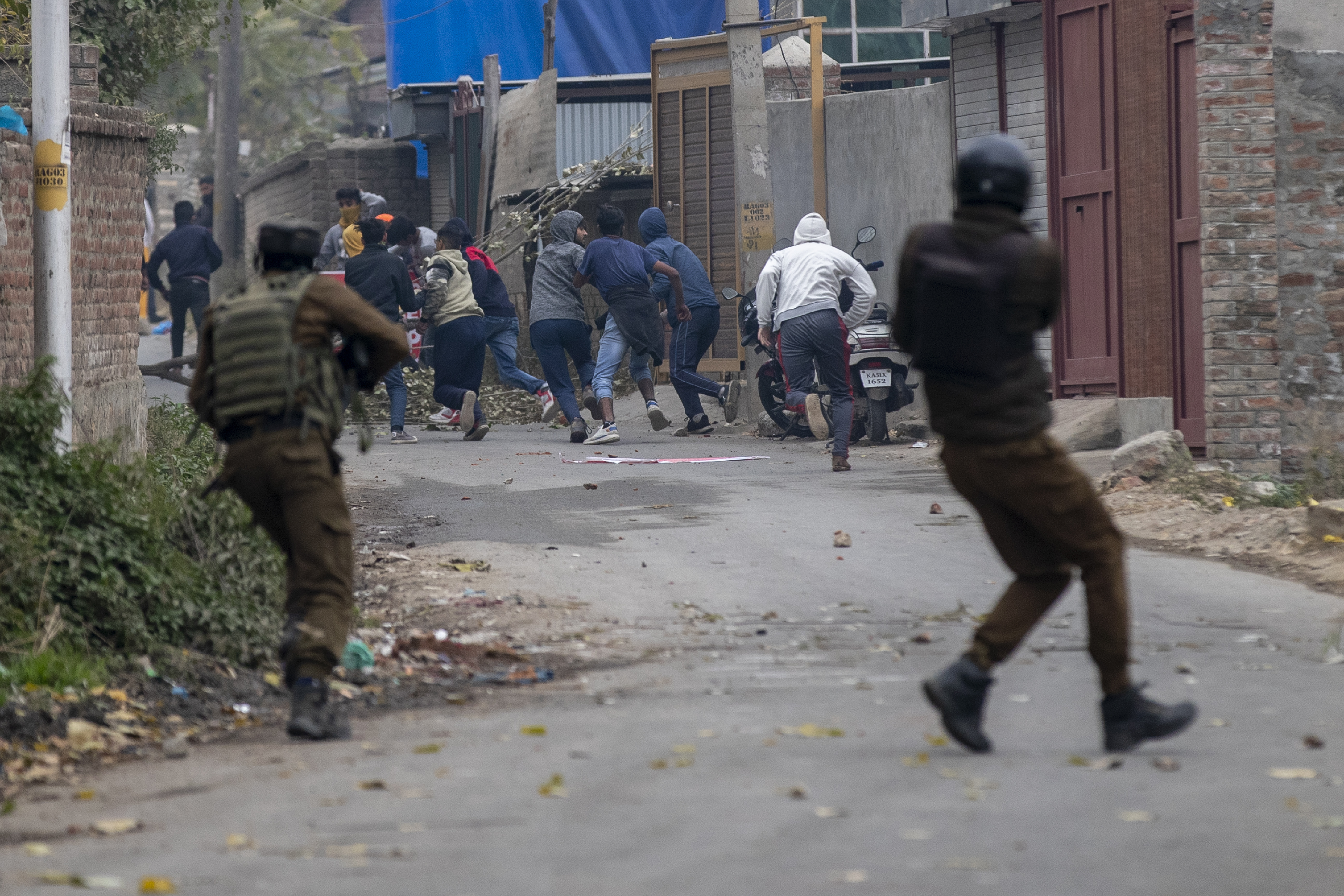Hizbul Mujahideen Operational Commander Killed, Associate Arrested During Encounter in Srinagar