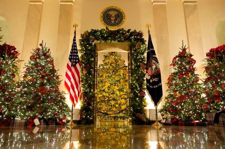 White House Christmas 2021 Skulls The Trumps Final White House Christmas Decorations Unveiled Us Elections 2020 News Al Jazeera