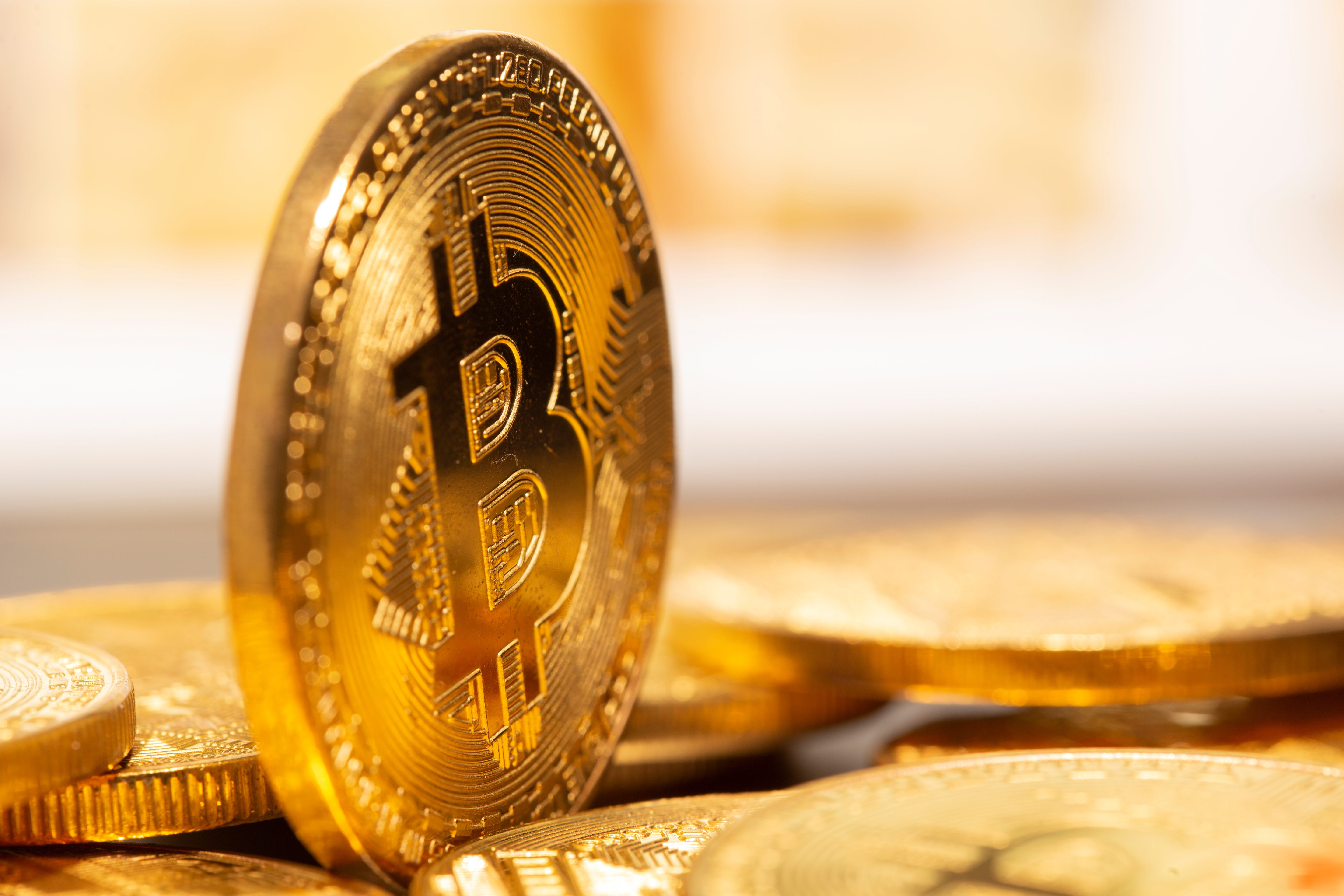 Bitcoin over Gold, London Investment Manager Reveals BTC Exposure