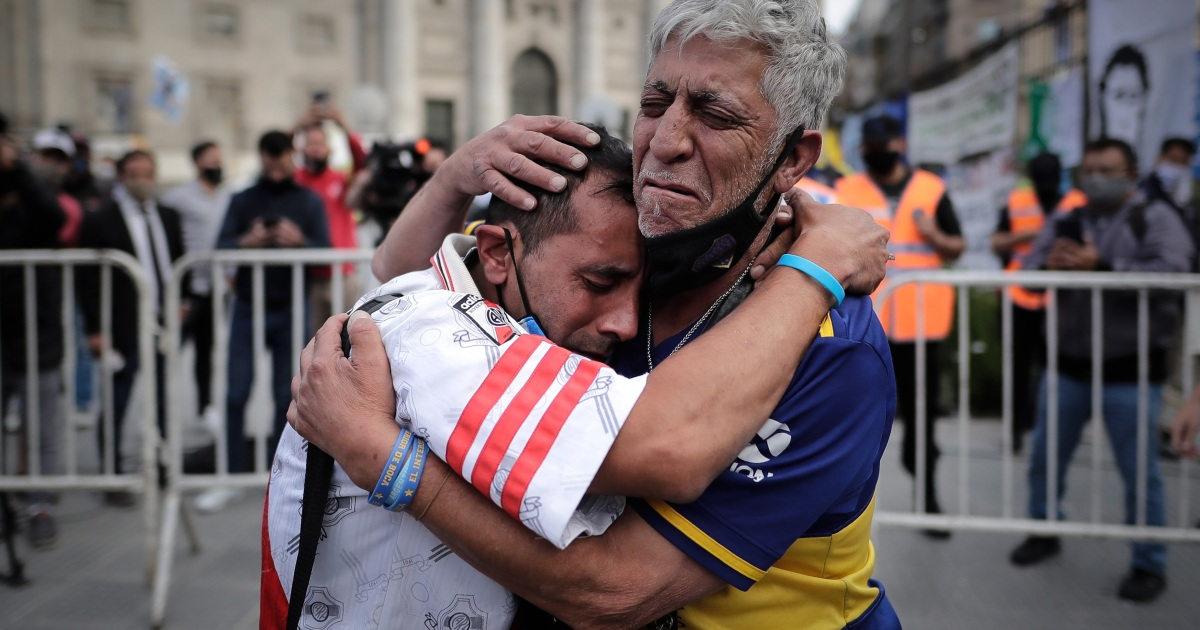 'The greatest': Thousands of Argentinians say goodbye to Maradona - aljazeera