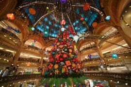 Les Galeries Lafayette agreed to postpone the shopping holiday from November 27 to December 4 so that smaller businesses can have an opportunity to reopen [File: Pascal Le Segretain/Reuters]