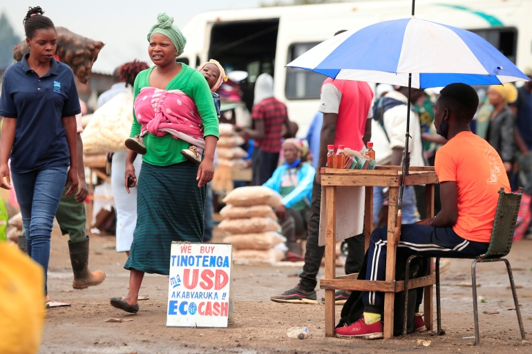 Zimbabwe's economic crisis stands at its peak now with inflation above 400 percent and the Zimbabwe dollar at its weakest [Philimon Bulawayo/Reuters]