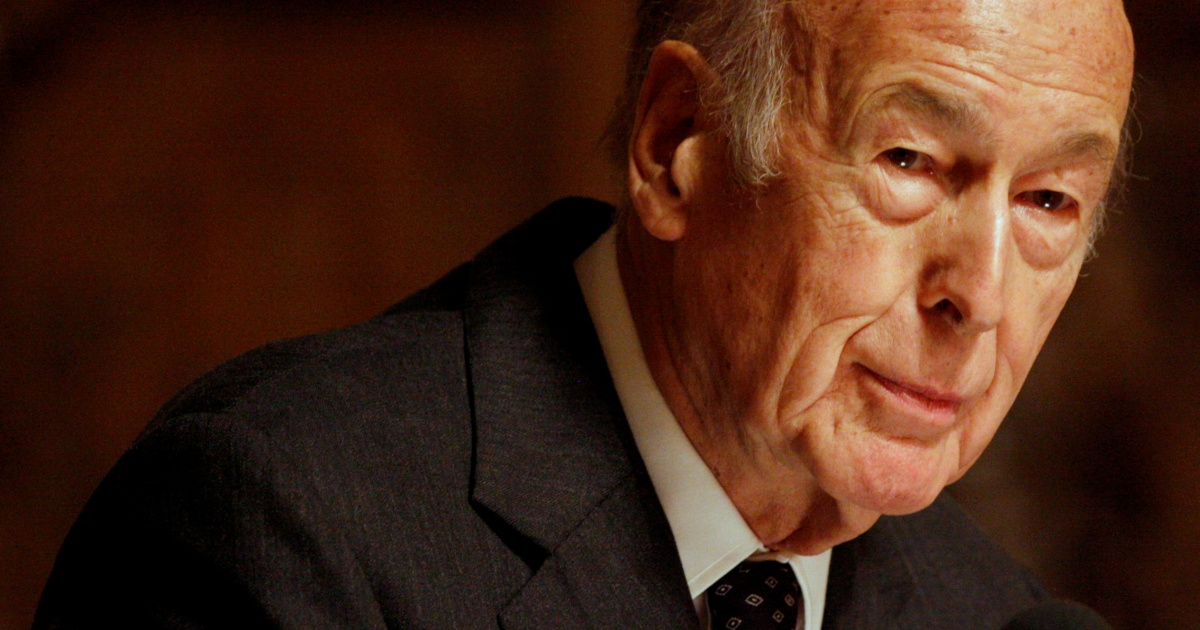 Former French President Giscard d'Estaing dies of COVID-19 at 94